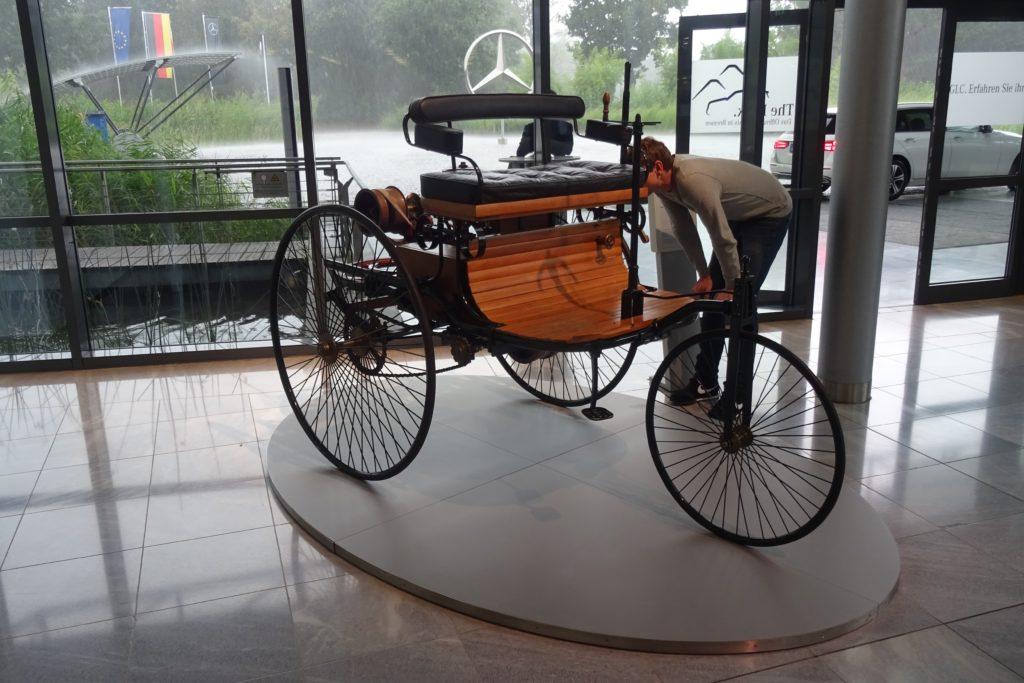 Mercedes (2)-min